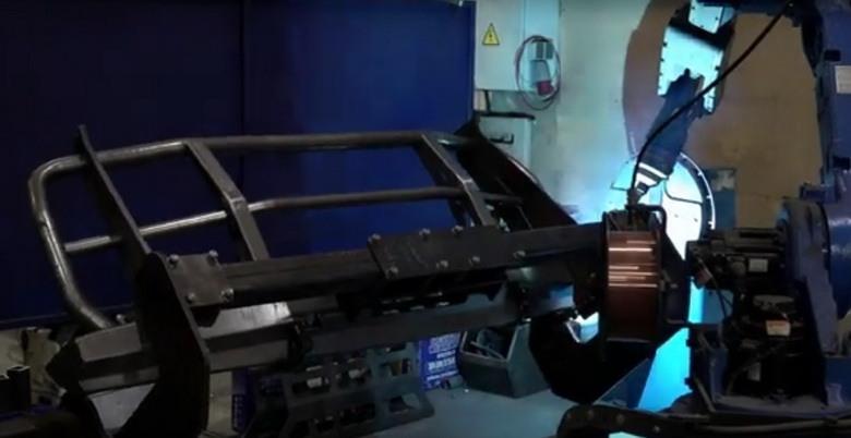 Вот так робот варит силовой бампер РИФ